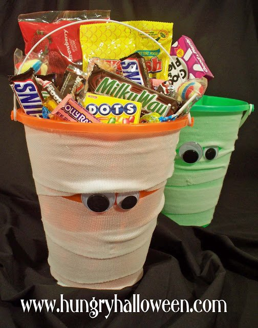 halloween craft mummy bucket
