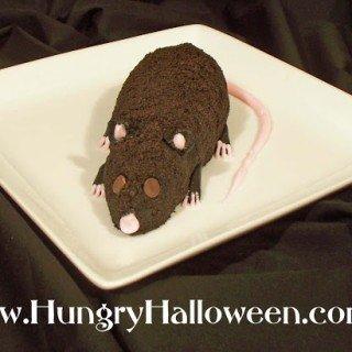 Sweet Cookies and Cream Halloween Cheese Ball Rat