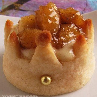 Pastry Crowns filled with Cheesecake Mousse and Glazed Banana Bits