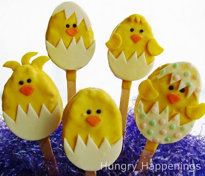 For Easter this year, turn a boring rice krispies treat into this amazingly adorable Hatching Chicks Rice Krispies Treats! It's an easy recipe and a great project for you and your kids!