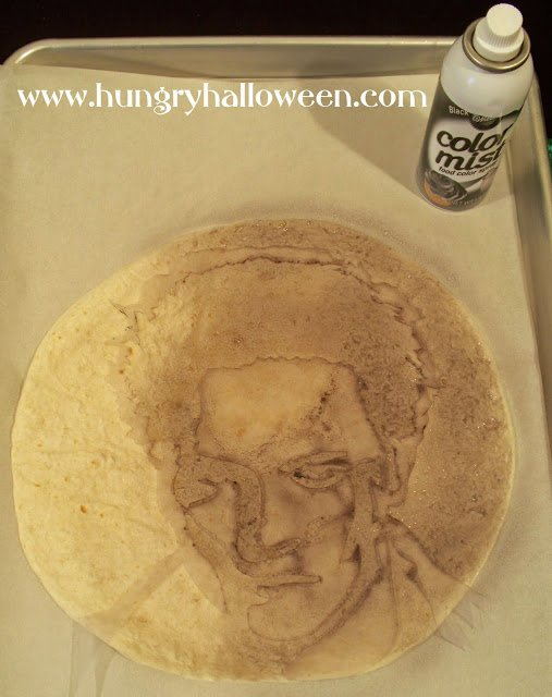 Sink your fangs into one of these delicious Twilight Quesadillas! These festive snacks serve as great appetizers for your spooky Halloween party, and you get to add a picture of your favorite Twilight character!