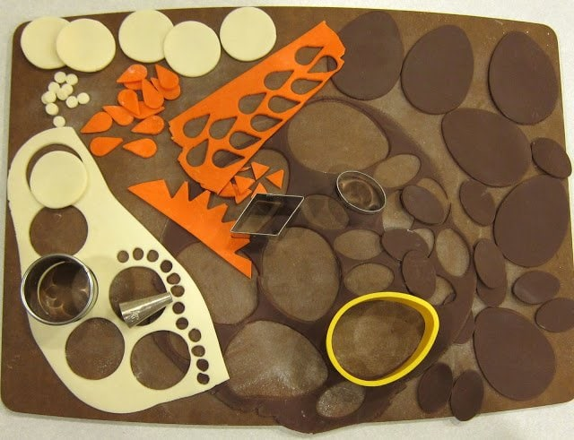 how to cut modeling chocolate
