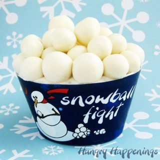 Snowball Fight Cupcakes – Stay inside where it's warm!