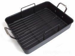 Roasting pan with flat rack insert.