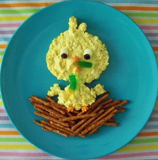 This Egg Salad Chick Sandwich makes a traditional recipe into a festive one! It is absolutely delicious and it is so adorable! Make it as an Easter snack for you or for your friends, family, and kids.