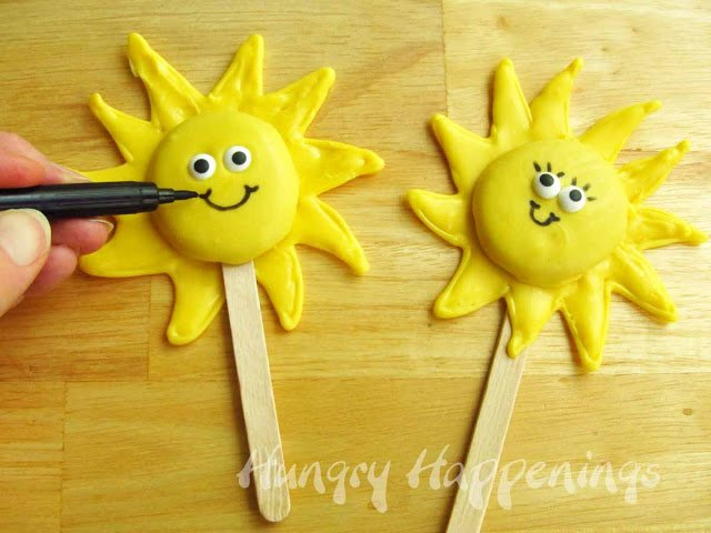 summer sunshine lollipop treats