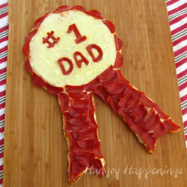 Pizza is the number one way to a dads heart, so why not show him he's the best! This Father's Day Pepperoni Pizza Ribbon will be sure to show him you think hes #1!