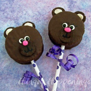 Hostess-Ding-Dongs-black-bear-snack-cakes-Valentines-Day-edible-crafts-recipes-kids-crafts-animal-cake-teddy-bear-cookies-party-treats-