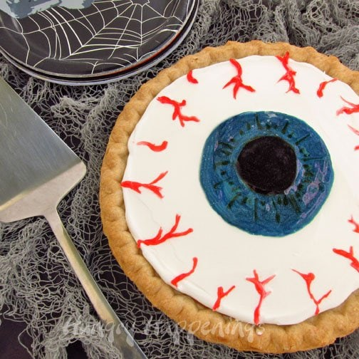 Everyone loves pumpkin pie, so turn this delicious treat into a spooky Halloween Pumpkin Pie Eyeball! Your guests won't be able to take their eyes off of this amazing p-eye!