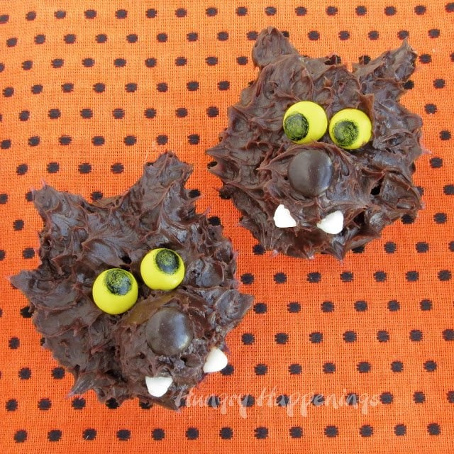 Make these simple Werewolf Snack Cakes for Halloween and turn a simple treat into a festive one! These adorable treats will be the hit of your Halloween party!