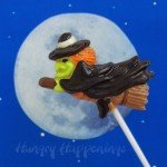 How-to-paint-chocolate-lollipops-for-Halloween-and-holidays%2C-Halloween-party-favors-