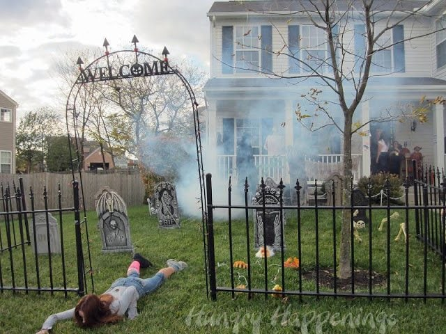 Zombies Party Graveyard Decorations
