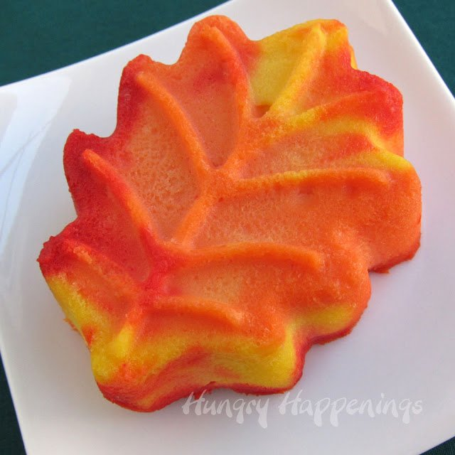 How to make cheesecake leaves and pumpkins.