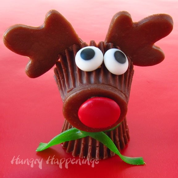 Rudolph-the-Red-Nose-Reindeer-Reeses-Cups-party-favors-Christmas-treats-for-kids-edible-crafts-for-kids-and-adults-