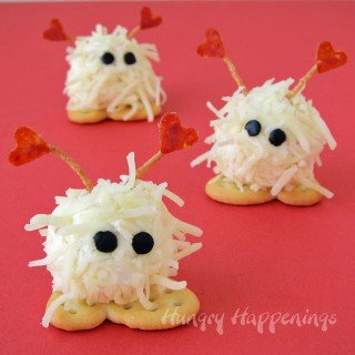 Mini Cheese Ball Warm Fuzzies – A cute Valentine's Day Snack