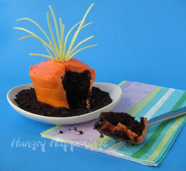 How to make edible cupcake wrappers to make Carrot Top ...