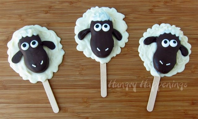 Looking for a cute project to do with your kids? Try making these adorable White and Dark Chocolate Nutter Butter Lamb Pops! Your party guests wont be able to stop eating these delicious treats!
