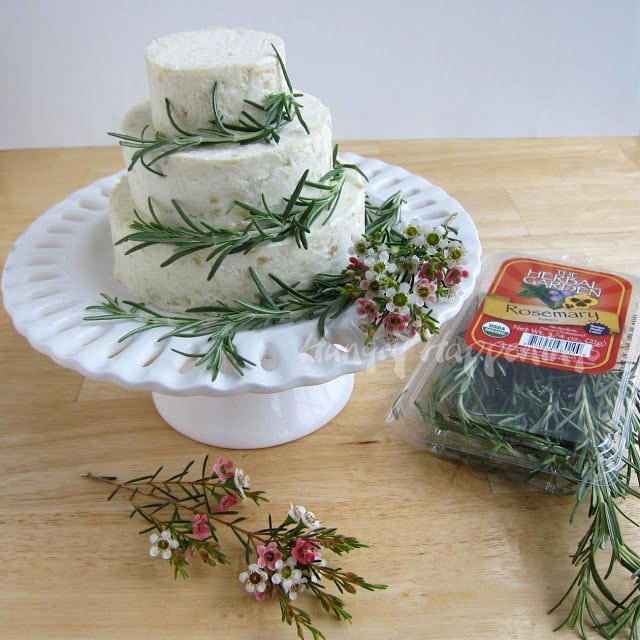rosemary cheese ball appetizer