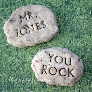 Tell your teacher he rocks. These Cookies and Cream Fudge Rocks make great teacher appreciation gifts. HungryHappenings.com