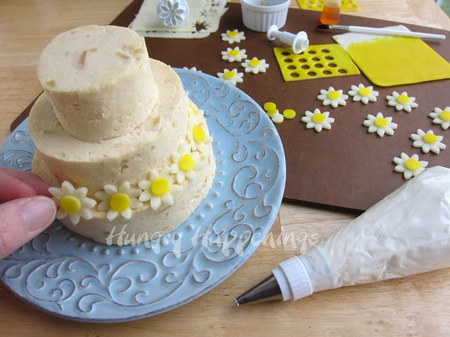 how to assemble Wedding Cake Cheese Ball