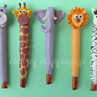 Jungle Animal Pretzel Pops