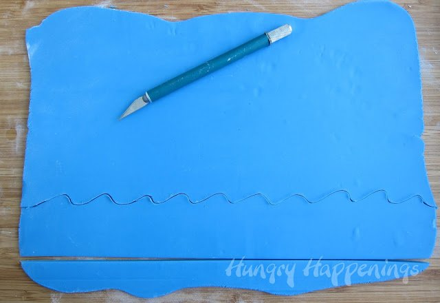 how to make Edible Cupcake Wrapper Waves