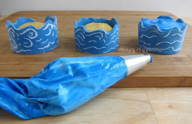 decorating Ocean Cupcakes