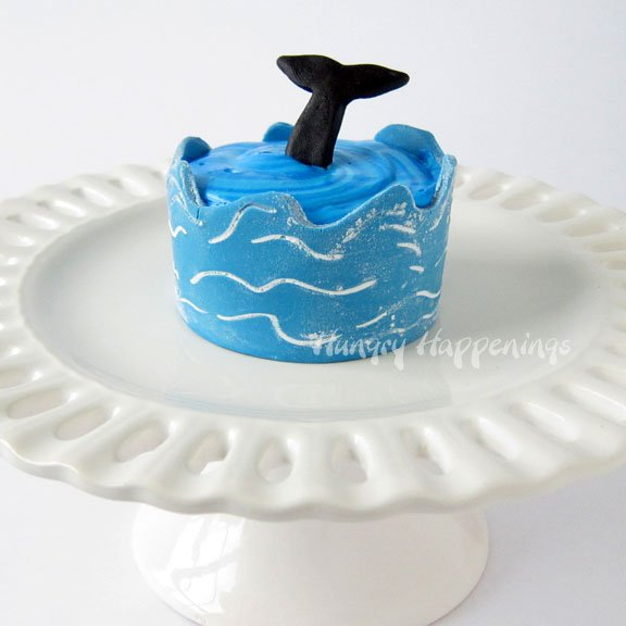 beach party ocean cupcakes