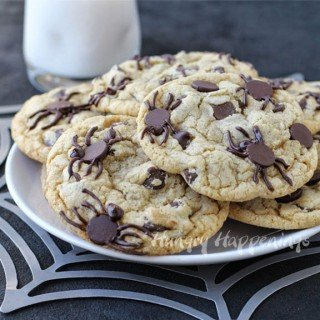Spider Infested Chocolate Chip Cookies – Creepy Halloween Dessert