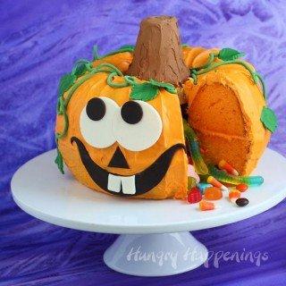 Halloween Dessert – Pumpkin Pinata Cake