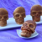 stuffed-pizza-skulls-for-Halloween-dinner-3
