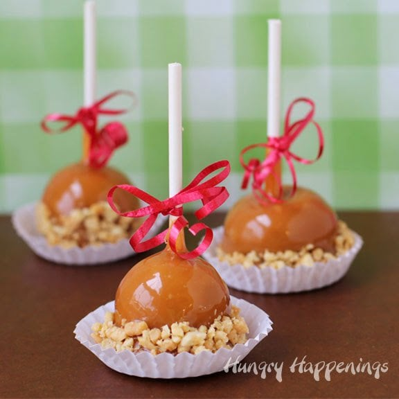 Caramel Apple Fudge Pops - A Fun Little Treat for the Holidays