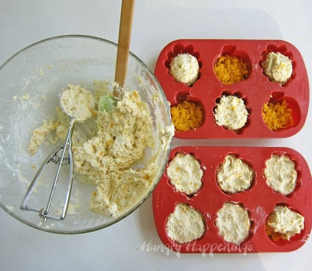 How to make Cheese Bread Leaves and Pumpkins for Thanksgiving dinner.