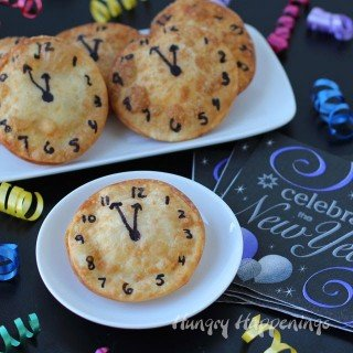 New Year's Eve Appetizer – Cheese Filled Fried Won Ton Clocks
