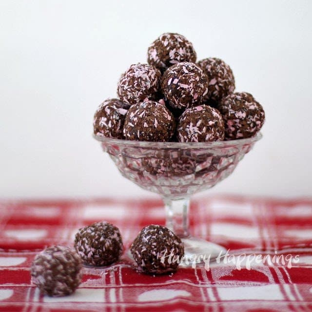 Chocolate Raspberry Ice Cream Truffles | HungryHappenings.com