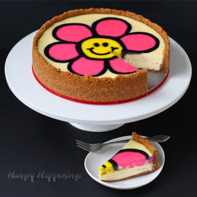 Decorated Daisy Cheesecake | HungryHappenings.com