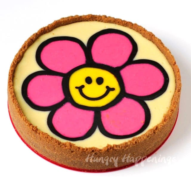use the ultimate cheesecake recipe to create this fun daisy cheesecake