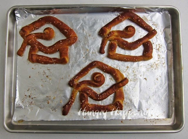 Graduation pretzel snack recipe