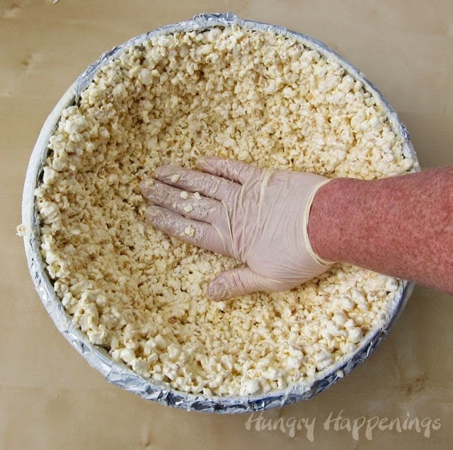How to Make a White Chocolate Popcorn Bowl