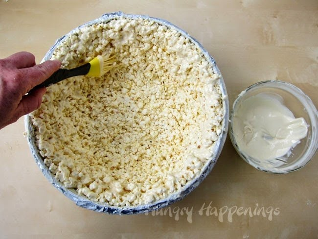 How to Make a Bowl out of White Chocolate Popcorn