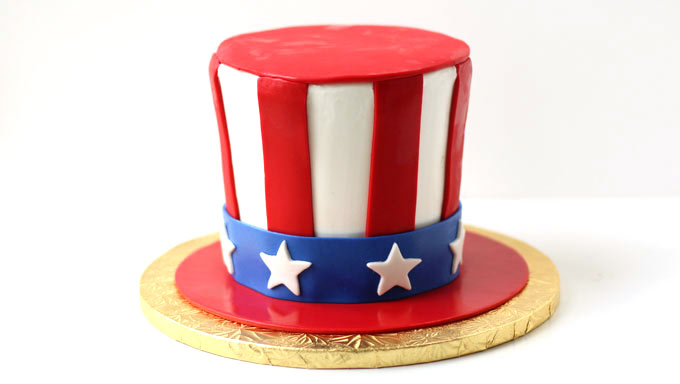 decorated red, white, and blue 4th of July cake