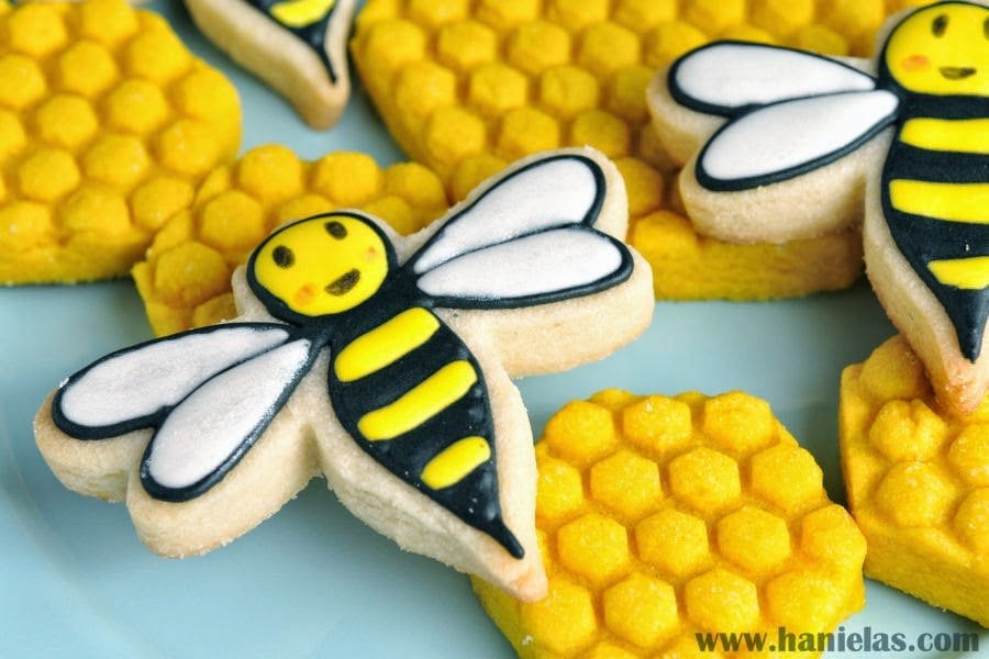 How to make Honeycomb and Bee Cookies