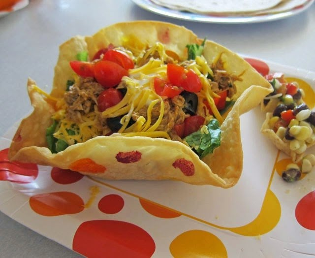 Polka Dot Taco Salad Bowls | HungryHappenings.com