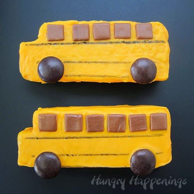 Rice Krispie Treat School Buses | HungryHappenings.com