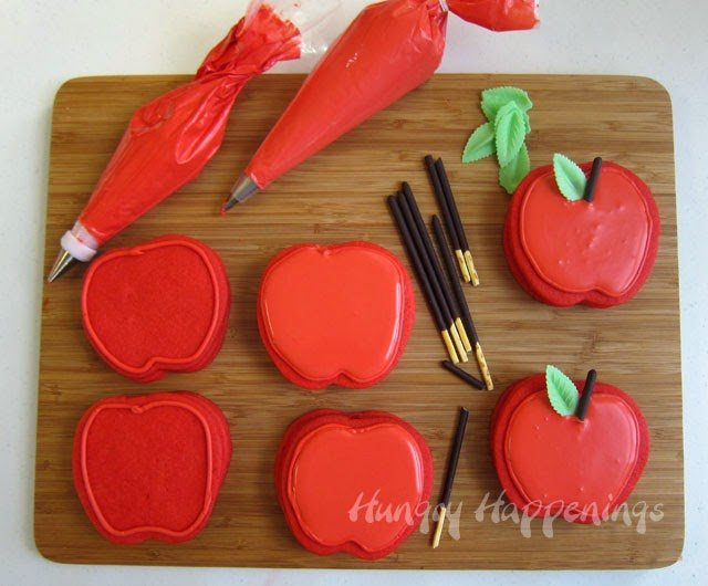 How to make Apple Pinata Cookies