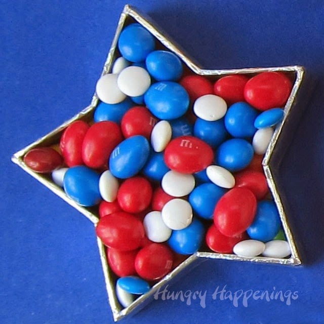 Red, White, and Blue M&M's  | HungryHappenings.com