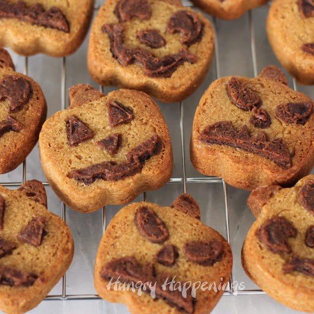 Halloween Peanut Butter Pumpkin Shaped Cookies | HungryHappenings.com