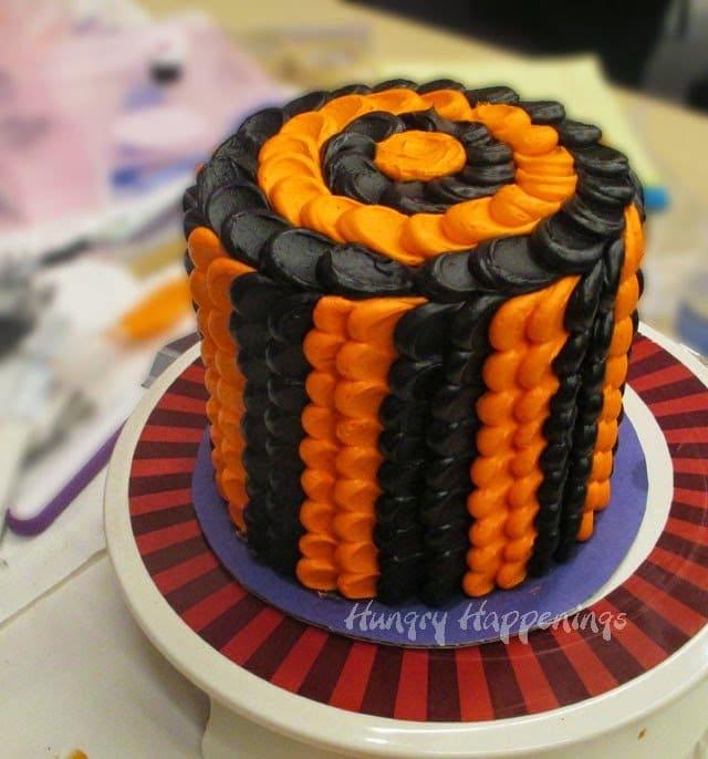 Halloween pulled dot petal cake