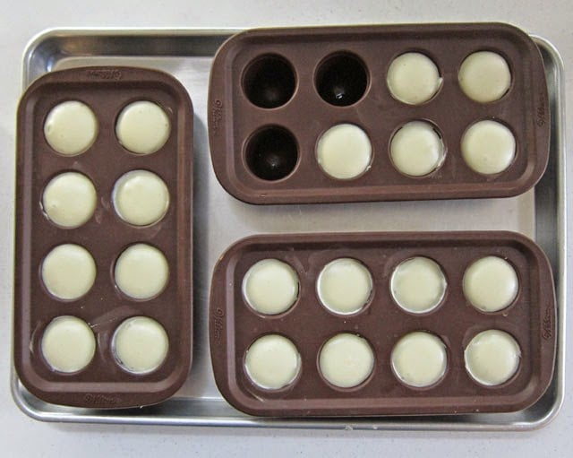 Cheesecakes baked in silicone brownie pop molds