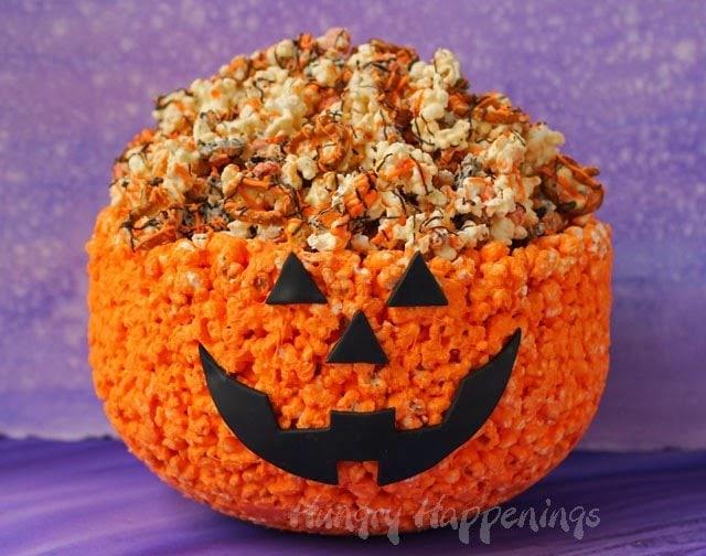 Jack-O-Lantern Popcorn Bowl | HungryHappenings.com